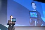 ASUS TAICHI prezentat la Computex 2012 de ASUS Chairman Jonney Shih