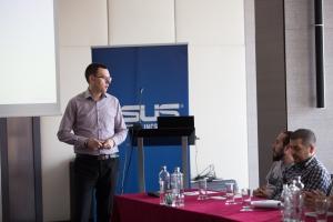 Conferinta de presa ASUS pe 30 iulie 2015 la hotel Intercontinental